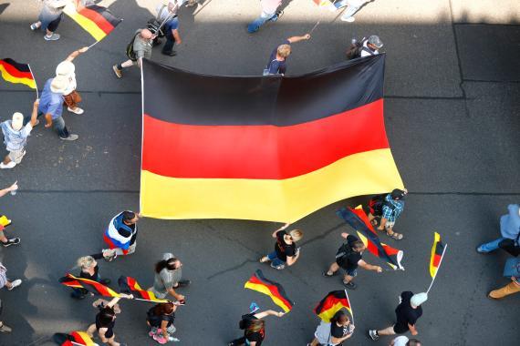 Una bandera gigante de Alemania.