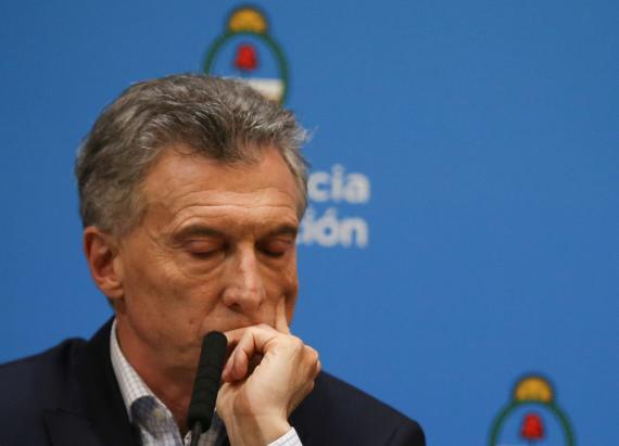 El presidente argentino Mauricio Macri, con gesto preocupado