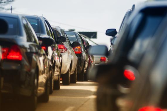 Tráfico coches atasco
