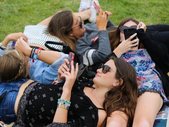 Los jóvenes están perdiendo la capacidad de interactuar cara a cara.