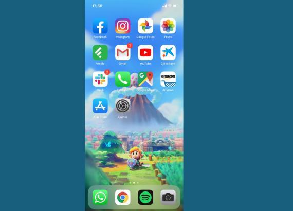 Pantalla principal de iOS 13 en un iPhone 11