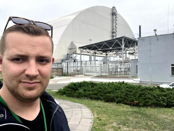 Durante un recorrido por Chernobyl, no puedes tocar el suelo, debes usar pantalones largos, y saber cuáles son los edificios al borde del colapso es imprescindible.