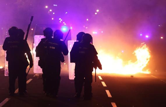 Disturbios policiales en Barcelona durante las protestas por la sentencia del procés.