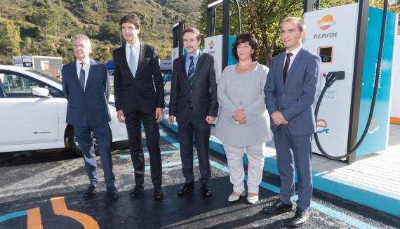 Inauguración de la estación de carga ultrarápida de Repsol