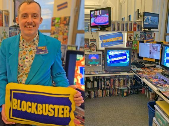 Cory Bruce y las cintas VHS de la réplica del Blockbuster.