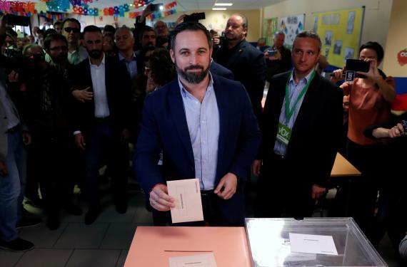 Santiago Abascal votando el 28-A.
