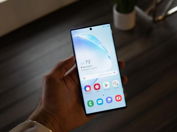 Comerciar con su smartphone podría ser una 'bomba de relojería' para tus datos personales —así es como un experto dice que puedes protegerte.