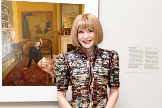 Anna Wintour, escritora, periodista y directiva británica que ejerce como editora jefa de la edición estadounidense de la revista Vogue desde 1988