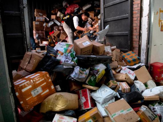 El minorista chino Alibaba dice que ganó más de 38.300 millones de dólares en ventas durante el día de los solteros.