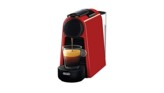 Ofertas Amazon: cafetera de cápsulas Nespresso a solo 72 euros (-39%)