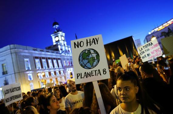 Una protesta en Madrid que pide acciones políticas para frenar el cambio climático.