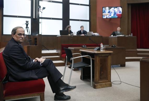 Quim Torra, durante el juicio en el TSJC por no retirar los lazos amarillos.