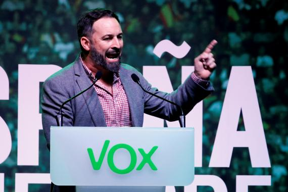 Santiago Abascal, líder de Vox, durante un mitin electoral.