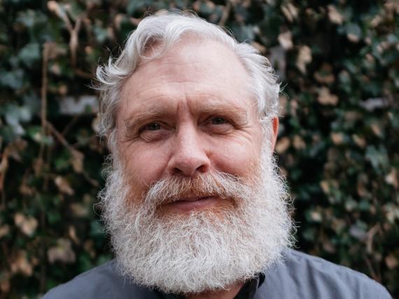 George Church, el hombre que ayudó a mapear el genoma humano.