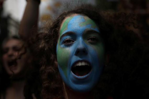 Una joven durante una de las protestas de Fridays For Future contra el cambio climático