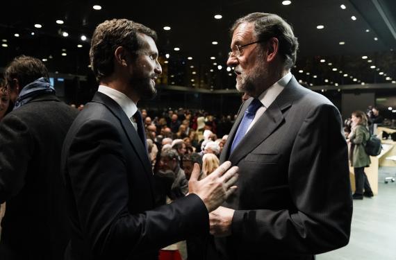 Pablo Casado y Mariano Rajoy en la presentación de Una España mejor.