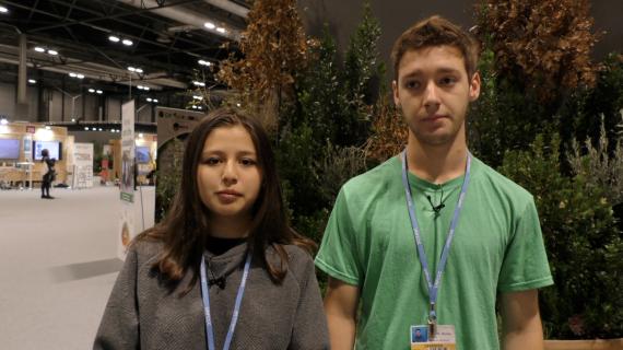 Tamara Toledo y Sebastián Benfeld, portavoces de Fridays For Future Chile, en la COP25.
