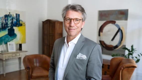 El experto alemán en liderazgo, Felix Maria Arnet, cree que los empleados no deberían tener miedo a reclamar sus derechos.