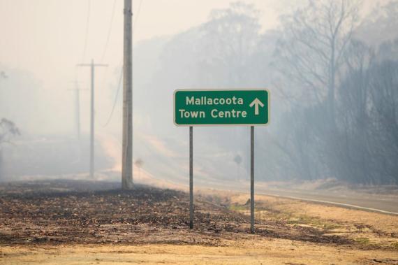 Vista general de una zona incendiada en Mallacoota, Victoria, (Australia), el 10 de enero de 2020.