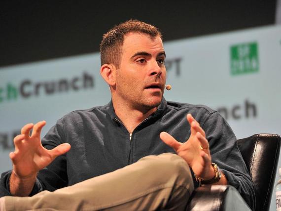 El CEO de Instagram, Adam Mosseri, explicó la decisión de la empresa de ocultar el número de likes.