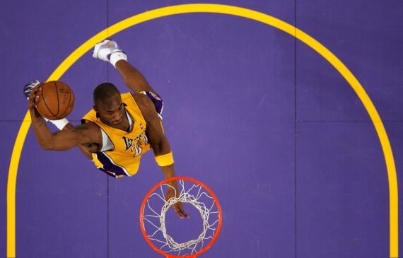 Kobe Bryant, durante un partido con los Lakers de la NBA.