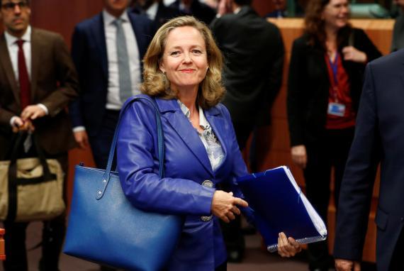 Nadia Calviño llega a una reunión de ministros de finanzas de la eurozona en Bruselas.