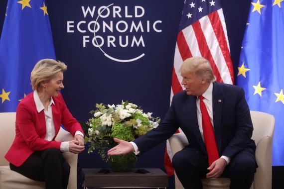 La presidenta de la Comisión Europea, Ursula von der Leyen, y el de EEUU, Donald Trump