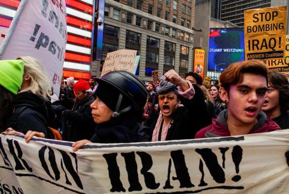 Protesta contra las tensiones entre Estados Unidos e Irán