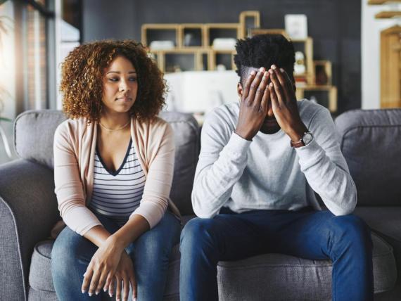 Los investigadores han identificado múltiples factores que hacen que sea más probable que una pareja casada se separe.