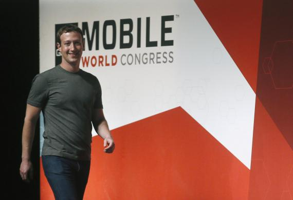 El CEO de Facebook, Mark Zuckerberg, estuvo en el Mobile World Congress en 2015.