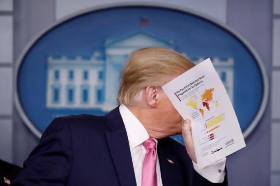 Donald Trump habla sobre el coronavirus en una rueda de prensa en la Casa Blanca