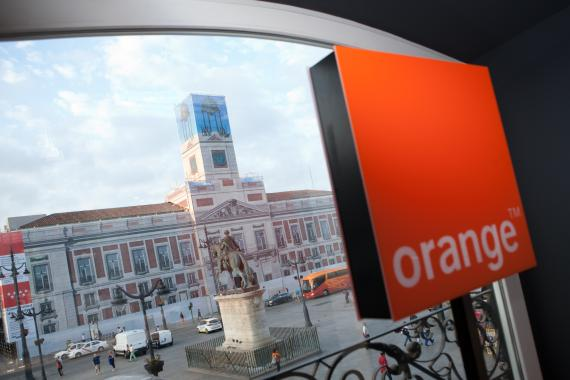 Una imagen desde la tienda Orange en la Puerta del Sol de Madrid.