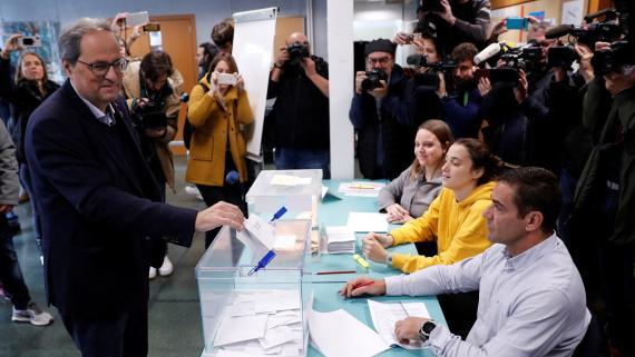 Quim Torra, presidente de la Generalitat, vota en las elecciones generales de noviembre de 2019.