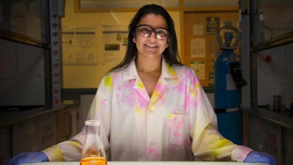 Rajshree Ghosh Biswas, doctoranda de la Universidad de Toronto, ha participado en la investigación para convertir el aceite usado en resina para impresoras 3D.