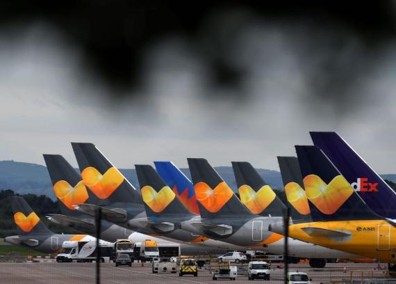Aviones de Thomas Cook en el aeropuerto de Manchester de Inglaterra.