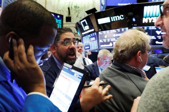 Caos en Wall Street ante el desplome del mercado.