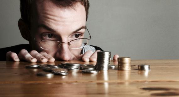 Contando euros, ahorro de dinero