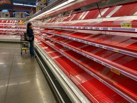 Las compras guiadas por el pánico conlleva a menos comida en los estantes.
