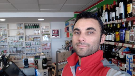 Fabián Romero, empleado de una estación de servicio en Galicia