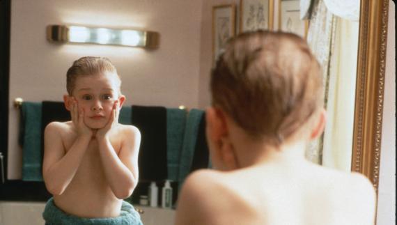"""Macaulay Culkin en la película """"Solo en Casa""""."""