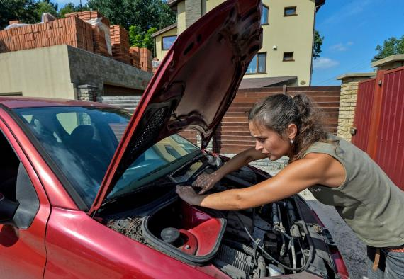 13 things you should do to keep your car in good running condition while coronavirus lockdowns park it indefinitely, according to experts