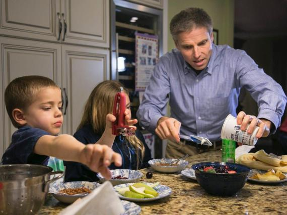 3 nutritionists show what they are eating during the coronavirus lockdown, and how to make the meals yourself