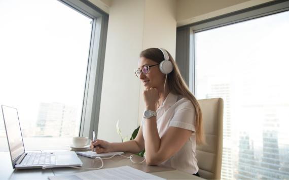 Los desempleados accederán gratis a 3.800 cursos en línea de Coursera