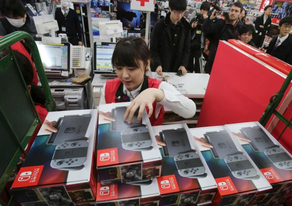 Nintendo plans to produce 22 million Switch devices to address supply shortages
