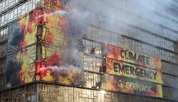 Protesta de Greenpeace en la sede del Consejo Europeo en Bruselas