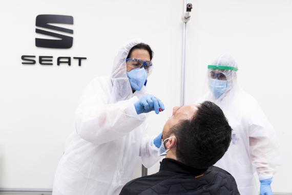 Seat reabrirá sus fábricas a finales de abril y hará test PCR a todos sus empleados