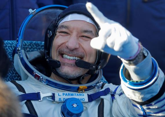 El astronauta Luca Parmitano, sonría tras el aterrizaje del Soyuz MS-13.