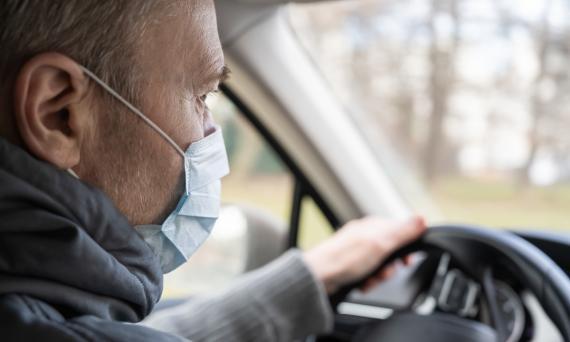Si usas coche privado, la DGT te recomienda limpiar estas cinco partes