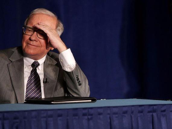 Warren Buffett bromeó en Yahoo Finance diciendo que está bebiendo Coca-Cola para protegerse del coronavirus.