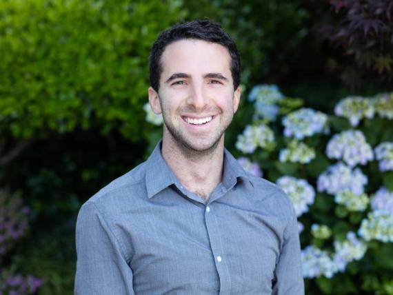 Uno de los desarrolladores de Siri y fundador de Alation, Aaron Kalb.
